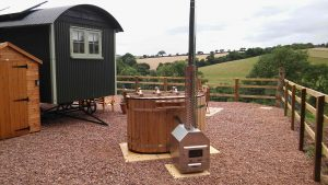 Hot tub by the shepherds hut